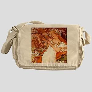 MuchaSpring7100 Messenger Bag