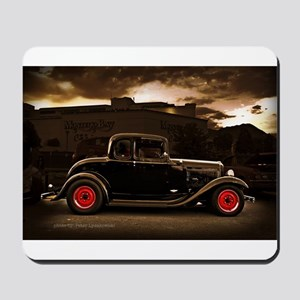 1932 black ford 5 window Mousepad