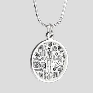 anatomy_W_queen_duvet Silver Round Necklace