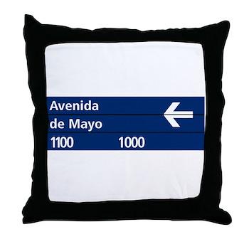 Avenida de Mayo, Buenos Aires (AR) Throw Pillow