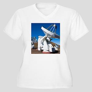 Submilllimeter Ar Women's Plus Size V-Neck T-Shirt