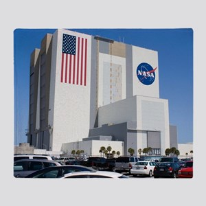 NASA vehicle assembly building Throw Blanket