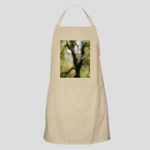 Moss-covered tree Apron