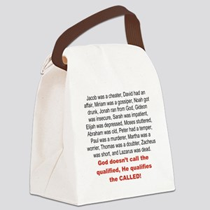 GOD DOSENT QUALIFIED, HE QUALIFIE Canvas Lunch Bag