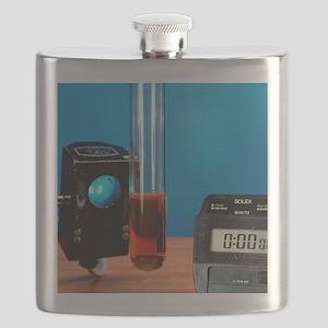 Alkane decolourisation of bromine Flask