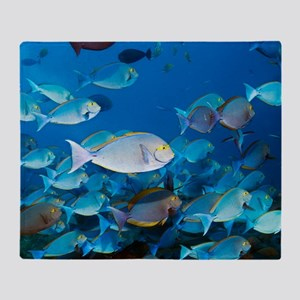 Elongate surgeonfish Throw Blanket