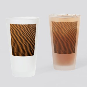 Ripples in a sand dune Drinking Glass