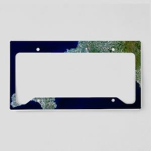 True-colour satellite image o License Plate Holder