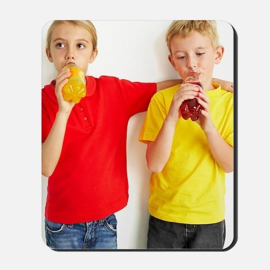 Children drinking squash Mousepad
