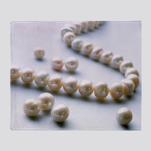 Pearl necklace Throw Blanket