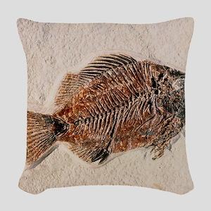 Fossilised fish, Priscacara se Woven Throw Pillow