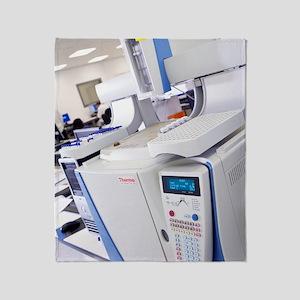 Gas chromatography machine Throw Blanket