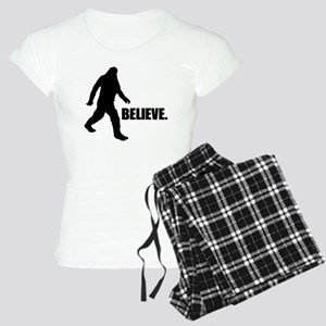 BELIEVE IN BIGFOOT Women's Light Pajamas