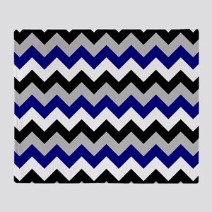 Chevron zigzag design black white gr Throw Blanket