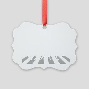 Trapeze-A Picture Ornament