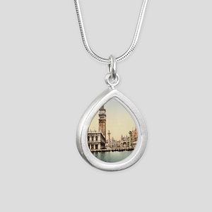 Vintage Venice Silver Teardrop Necklace