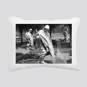 korean war memorial vete Rectangular Canvas Pillow