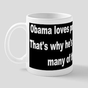anti obama loves poor peopledbumpbutton Mug
