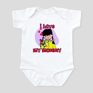 China Girl I Love Mommy Infant Bodysuit