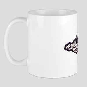 uss scamp white letters Mug