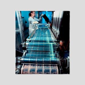 Intelligent label chip manufacture Throw Blanket