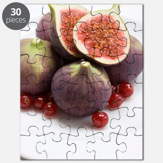 Whole and halved figs Puzzle