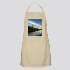 Water Reflection Apron