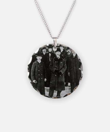E. Rutherford in a group por Necklace