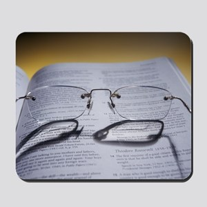 Bifocal glasses Mousepad
