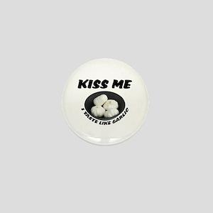 Kiss Me Garlic Mini Button