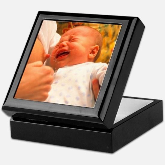 Breast-feeding: baby's crying causes  Keepsake Box