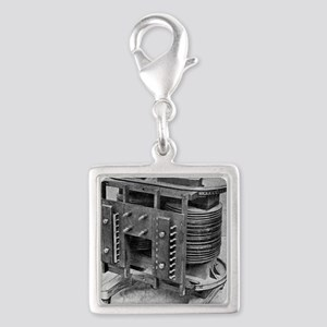 Testing an electrical transfo Silver Square Charm