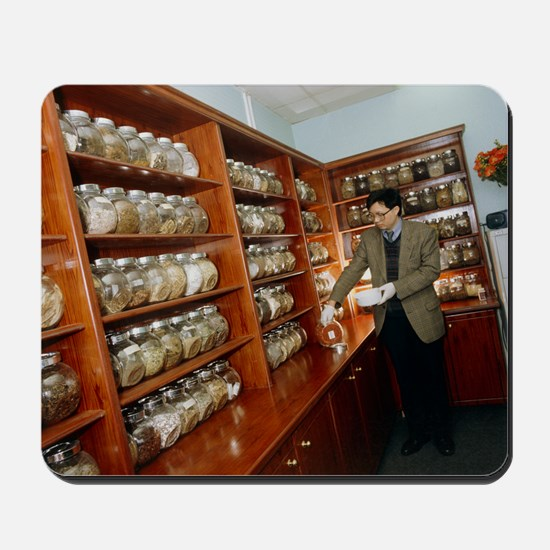 Herbalist in a Chinese herbal medicine p Mousepad