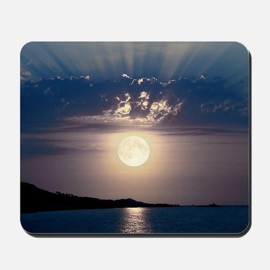 Full moon rising Mousepad