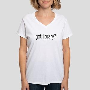 got library? Women's V-Neck T-Shirt