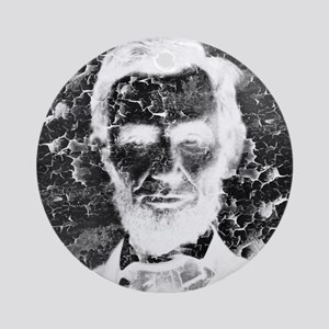 Lincoln Invert Round Ornament