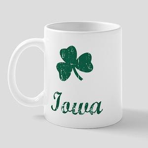 Iowa (vintage shamrock) Mug
