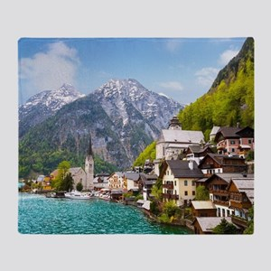 Beautiful summer Alpine Hallstatt To Throw Blanket