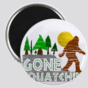 Gone Squatchin Vintage Retro Distressed Magnet