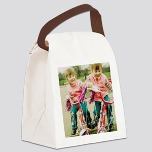 Identical twin girls Canvas Lunch Bag
