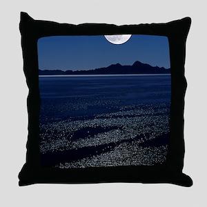 Moonrise over sea Throw Pillow