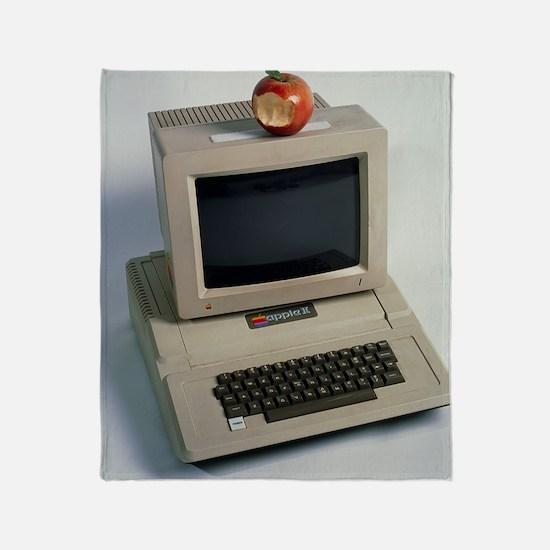 Apple II computer Throw Blanket