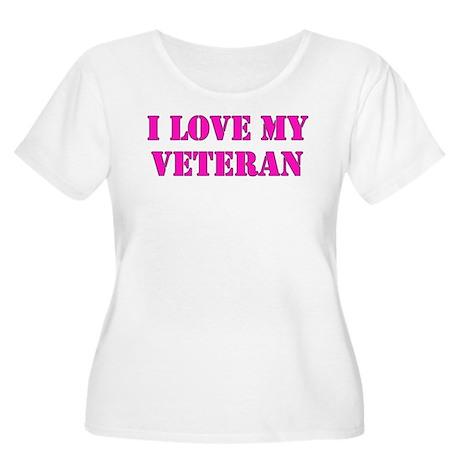 Love my veteran (pink) Women's Plus Size Scoop Nec