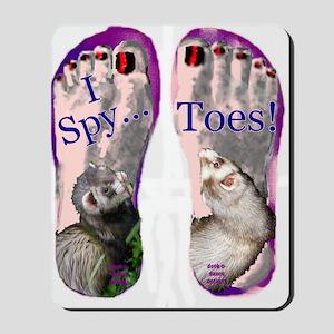 i spy toes Mousepad