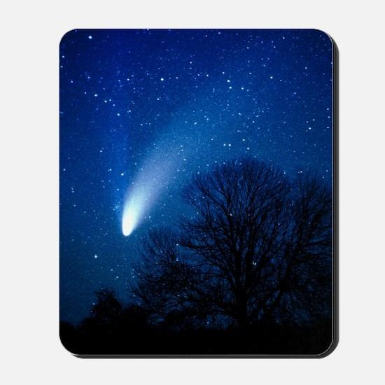 Optical image of comet Hale-Bopp, 6 Apri Mousepad