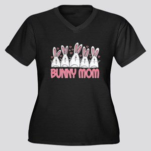 Bunny Mom II Women's Plus Size V-Neck Dark T-Shirt