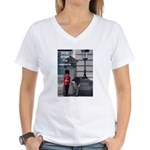 Andy drops his camera Women's V-Neck T-Shirt
