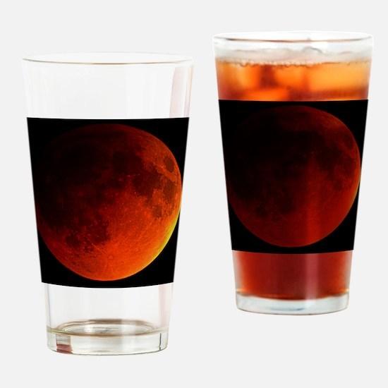 Total lunar eclipse Drinking Glass