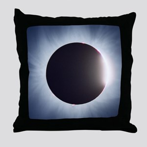 Total solar eclipse Throw Pillow