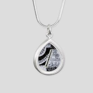 0562-clarinet Silver Teardrop Necklace